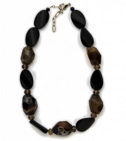 Black Onyx, blended with Quartz in fascinating patterns from milky grey to deep brown.