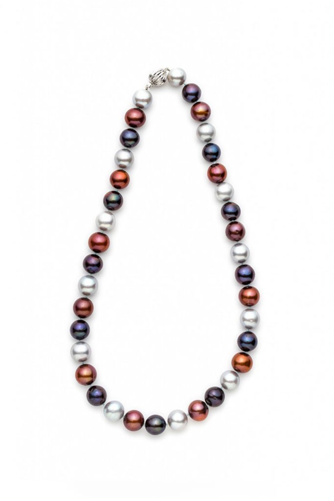 Three tone cultured Pearl necklace