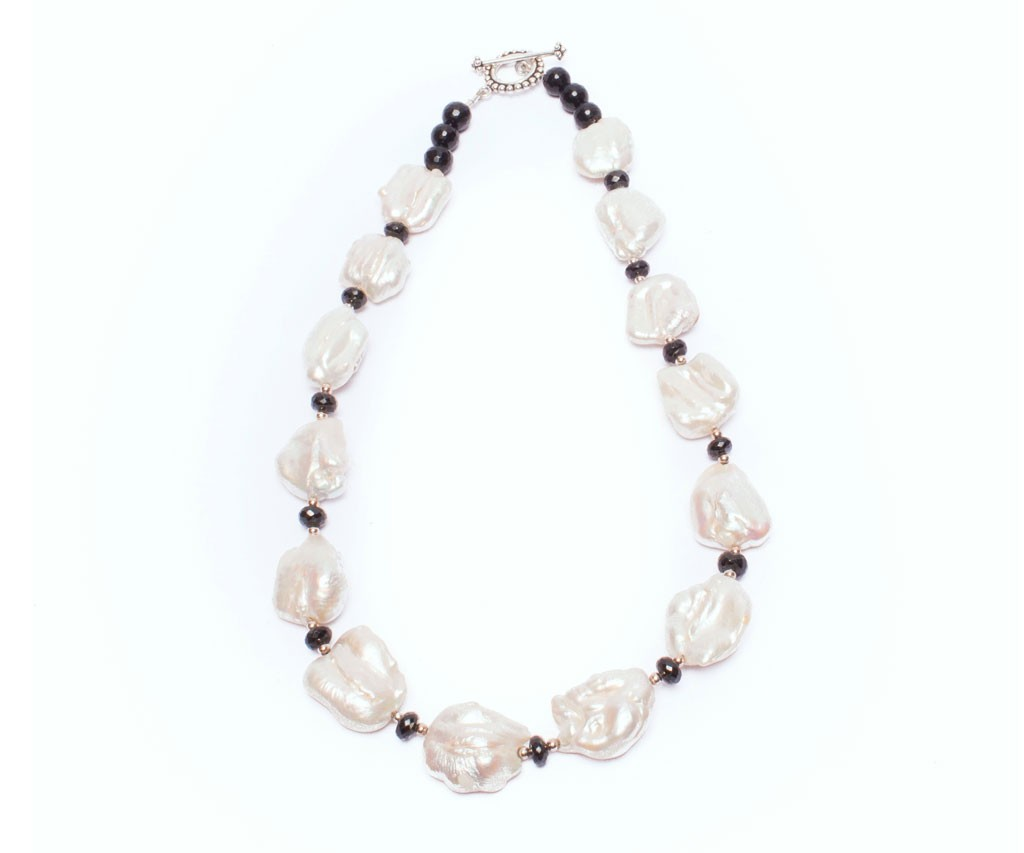 Pearl Shell, Black spinal Beads, Custom Necklace, Gemstones,